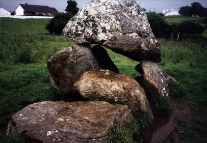 dolmen.JPG