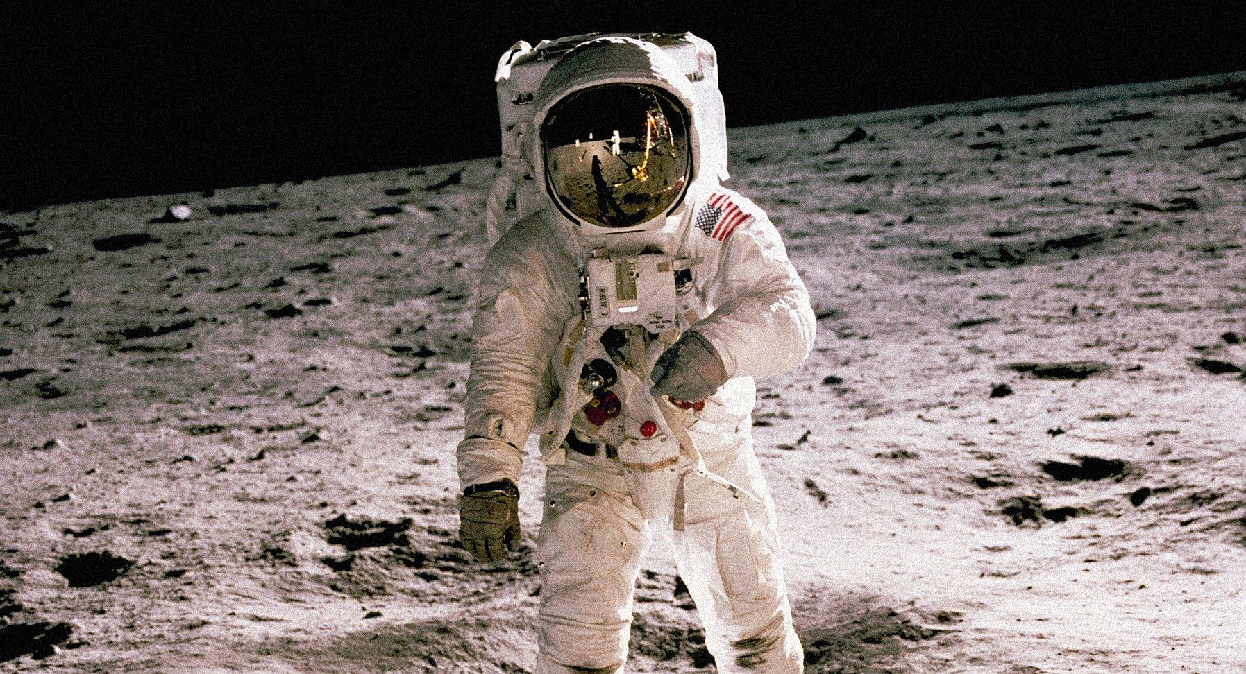 Apollo11-reflection